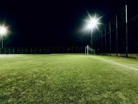 Fußballplatz-Beleuchung